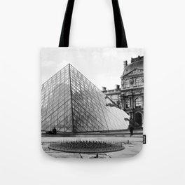 Pyramide de Louvre Tote Bag