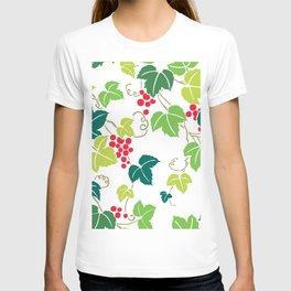 Japanese Vintage Red Grapes Green Vine Kimono Pattern T-shirt