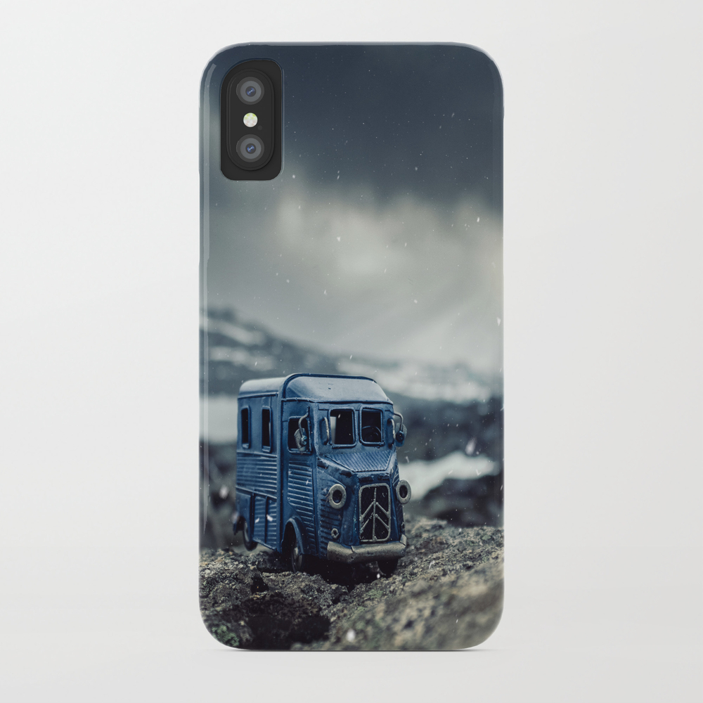 Little Cars, Big Planet (snow) Phone Case by Miguelandrade PCS8971878