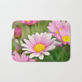 Daisy pink 090 Bath Mat