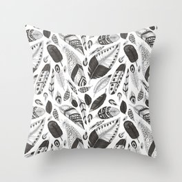 Black and white feathers pattern Throw Pillow