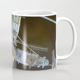 The Mir Space Station rapidly approaches the NASA-Mir link-ups 24 January 1998 Coffee Mug