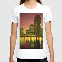 Lake Merritt and Downtown Oakland in Golden Sunset T-shirt