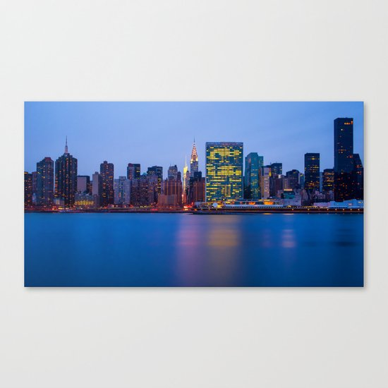 Beginning of the night over Manhattan Canvas Print