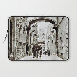 Carrer del Bisbe - Barcelona Black and White Laptop Sleeve