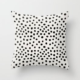 Preppy brushstroke free polka dots black and white spots dots dalmation animal spots design minimal Deko-Kissen