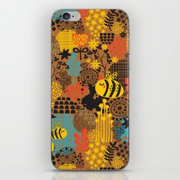 The bee. iPhone Skin