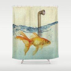 periscope goldfish Shower Curtain