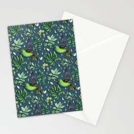 Exotic birds on delicate gold raindrop pattern Stationery Cards
