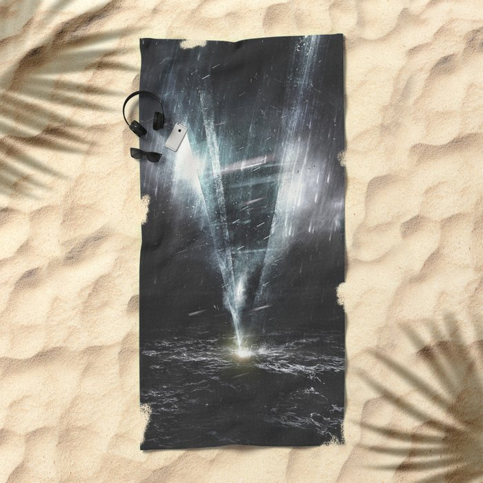We come in peace Beach Towel