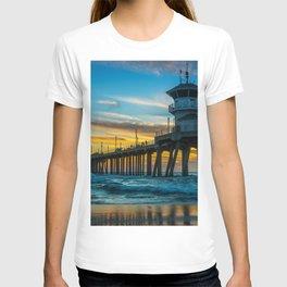 Winter Sunset at Huntington Beach Pier T-shirt