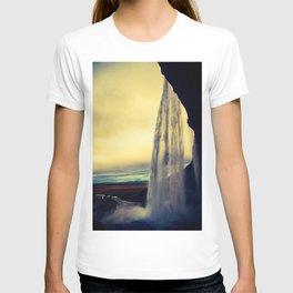 seljalandsfoss sunset T-shirt