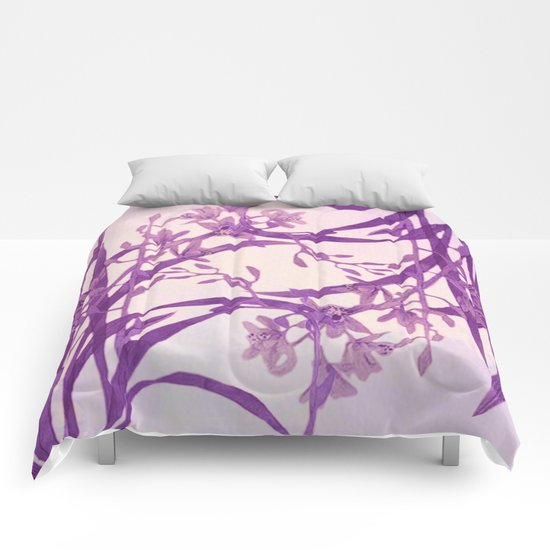 vice versa floral in purple Comforters