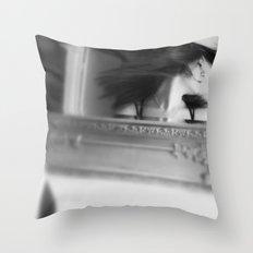 [ SHARP FADE ] Throw Pillow