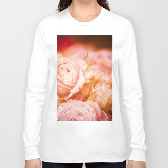 Roses with waterdroplets and bokeh Long Sleeve T-shirt