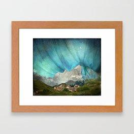 An den Bergen hing die Nacht Framed Art Print
