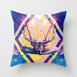 Autre visage du Yoga au Cerf Throw Pillow