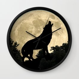 Wolf Howling at the Full Moon A303 Wall Clock