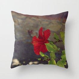 Red little flower V Throw Pillow