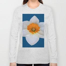 DECORATIVE ORANGE CENTERED WHITE DAFFODIL TEAL ART Long Sleeve T-shirt