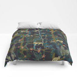 Tropical wild animals in the jungle Comforters