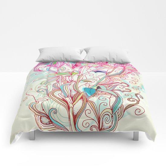 Floral clover Comforters