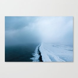 Infinite and minimal black sand beach in Iceland - Landscape Photography Canvas Print