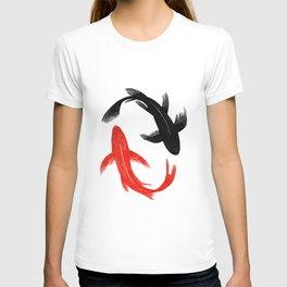Koi Fish Swimming T-shirt