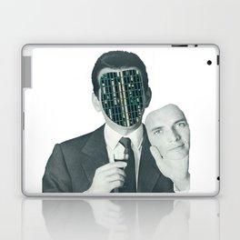 A volte a furia di cambiar faccia si finisce per rimanerne senza Laptop & iPad Skin