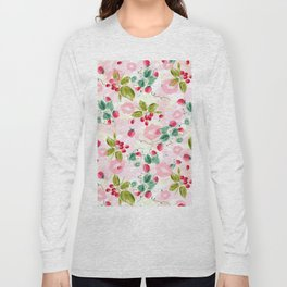 strawberries w kisses Long Sleeve T-shirt