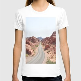 Roads Of Nevada Desert Picture | Valley Of Fire State Park Art Print | USA Travel Photography T-shirt