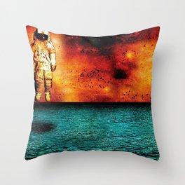 Brand New deja entendu Throw Pillow