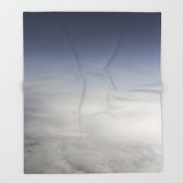 In the clouds Throw Blanket