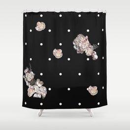Pointillé sur les fleurs Shower Curtain