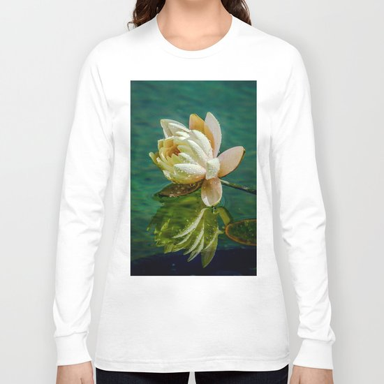 Water Lily after rain Long Sleeve T-shirt