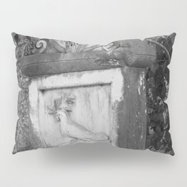 rooster grave Pillow Sham