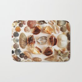Conch Ring with Wing Oysters Bath Mat