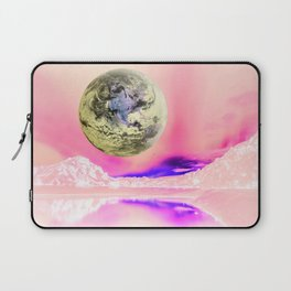 Do You Think There Is Intelligent Life On Earth? Laptop Sleeve