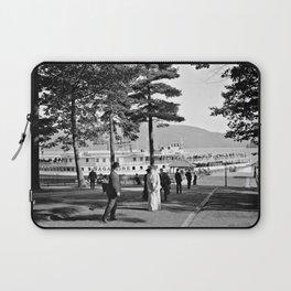 Vintage Lake George: The Sagamore Docks at Green Island Laptop Sleeve