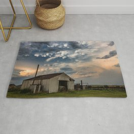 August Eve - Storm Sky Over Old Barn in Oklahoma Rug