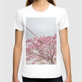 flower photography by Gláuber Sampaio T-shirt