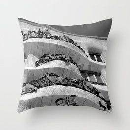 Casa Batlló   Antoni Gaudí Throw Pillow