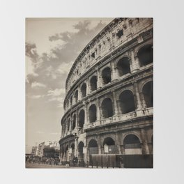 Il Colosseo Throw Blanket