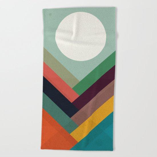 Rows of valleys Beach Towel