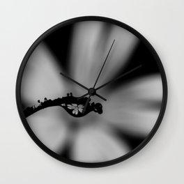 Delicadeza em Preto e Branco Wall Clock