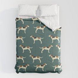 Tree Walker Coonhounds in Green Comforters