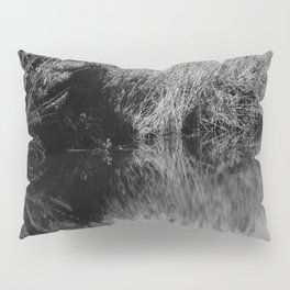 Black and white country pound Pillow Sham