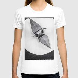 crane on a lily pad T-shirt