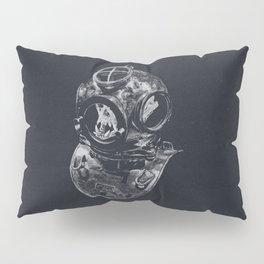 Macaque Diver Pillow Sham