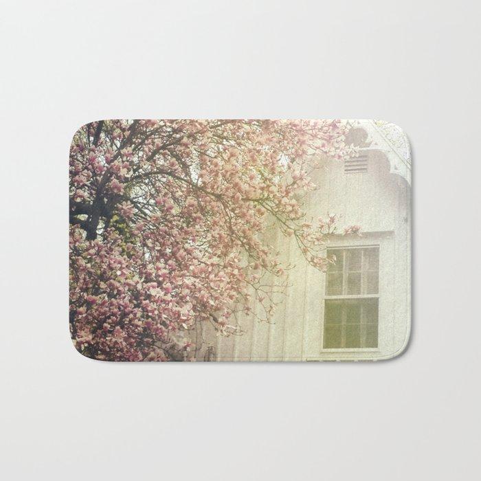 Cottage and Magnolias Bath Mat